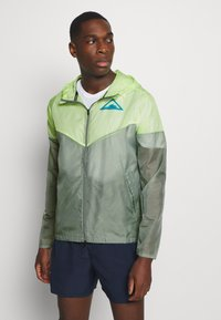 Nike Performance - TRAIL - Windbreaker - particle grey/barely volt/laser blue - 0