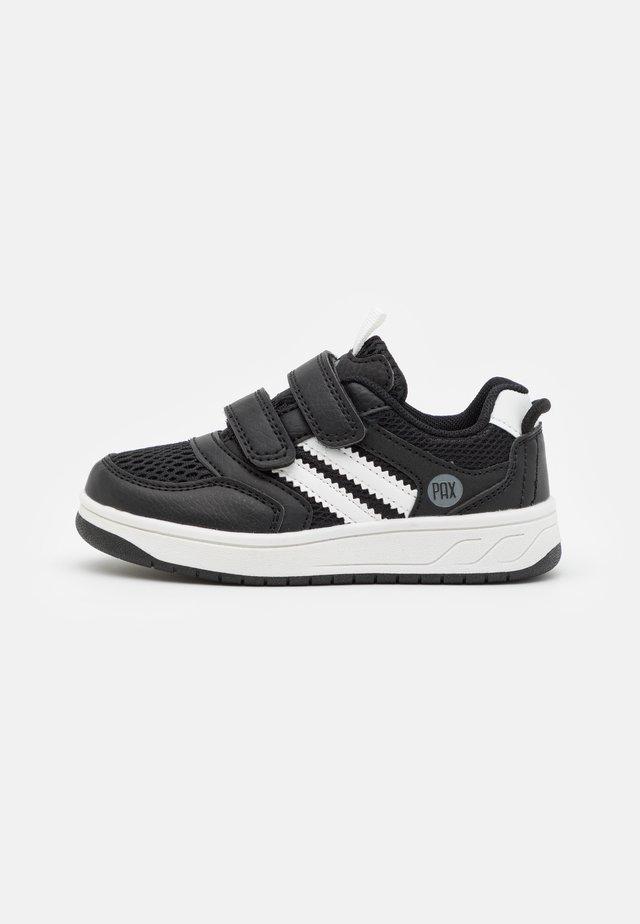 CARTER UNISEX - Hiking shoes - black