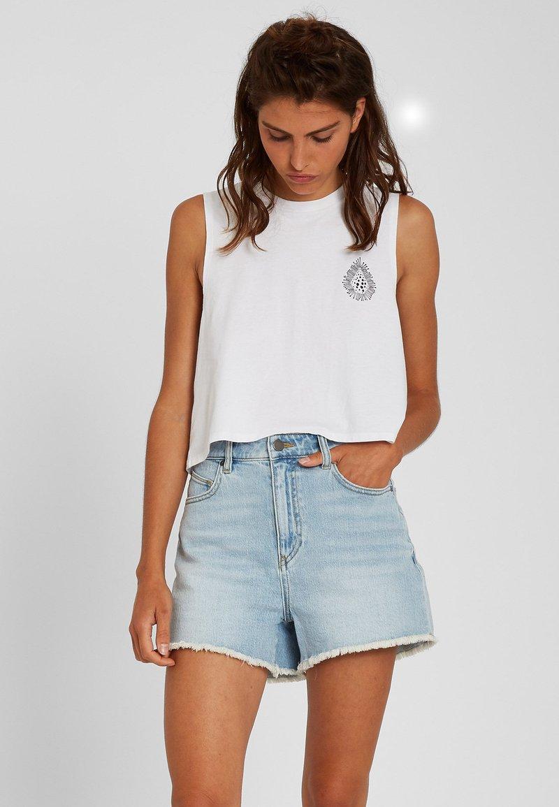 Volcom - STONEY HIGH RISE SHORT - Denim shorts - sun_faded_indigo