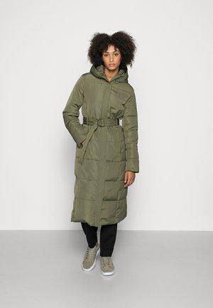LONG COAT WITH HOOD - Winter coat - khaki