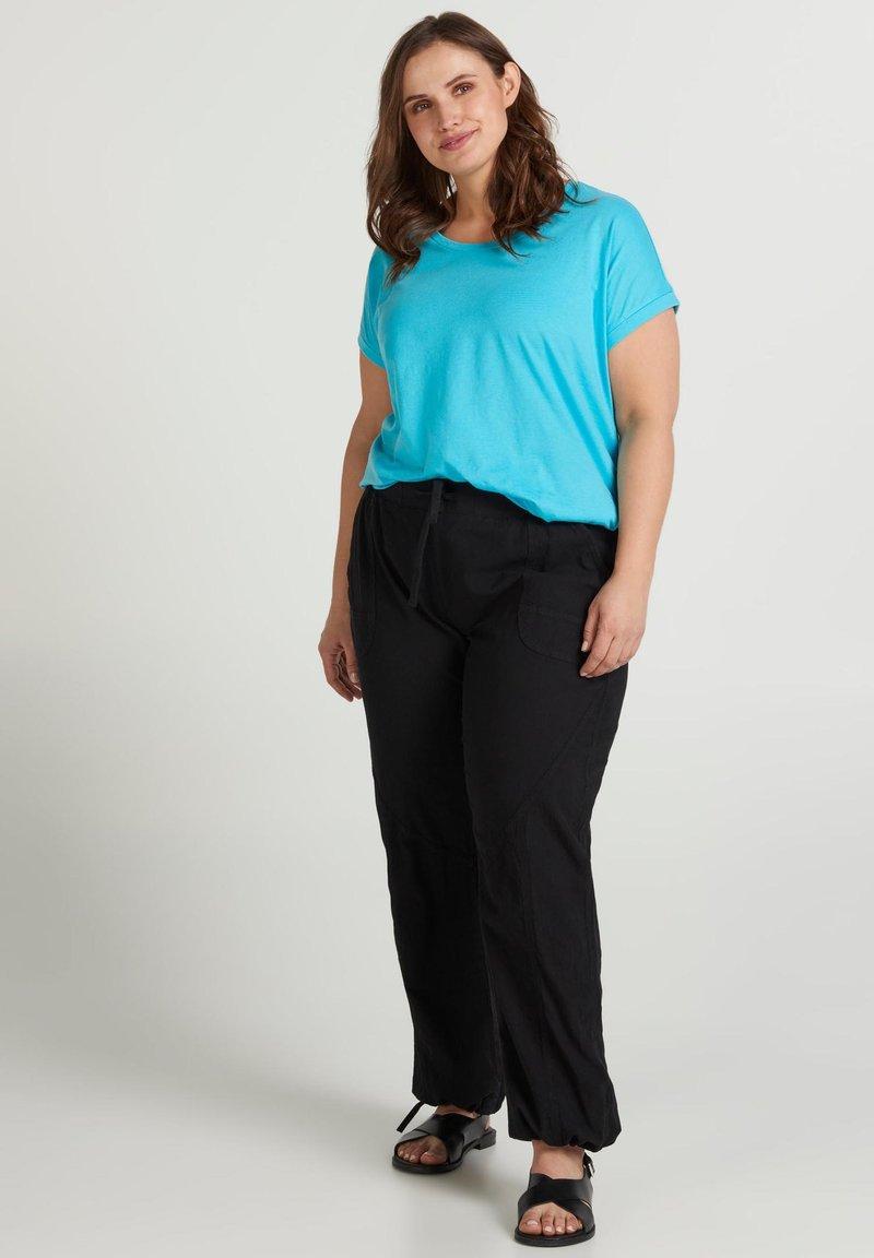 Zizzi - Basic T-shirt - turquoise
