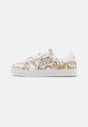 COURT - Sneakersy niskie - bianco/gold