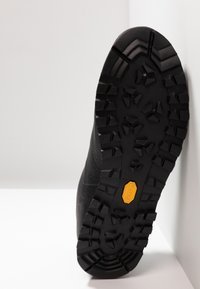 Scarpa - MOJITO BASIC GTX - Hiking shoes - black - 4