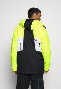 DC Shoes - DEFY JACKET - Snowboard jacket - syndicate white - 2