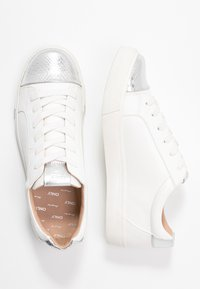 ONLY SHOES - ONLSKYE CROC TOE CAP - Sneakers basse - white - 3