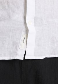 Only & Sons - ONSKARLO MAO SHIRT - Shirt - white - 6