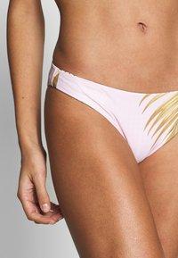 Rip Curl - PARADISE COVE REVO CHEEKY - Bikiniunderdel - lilac - 5