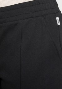 Marc O'Polo DENIM - TRACK PANTS CROPPED - Kangashousut - black - 4