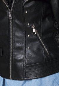 ONLY Carmakoma - CARFINA BIKER JACKET - Imiteret læderjakke - black - 6
