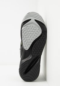 Nike Sportswear - ZOOM  - Sneakers - black/volt/anthracite/wolf grey - 4