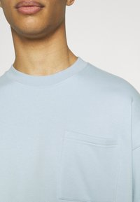 YOURTURN - UNISEX - Sweatshirt - light blue - 4