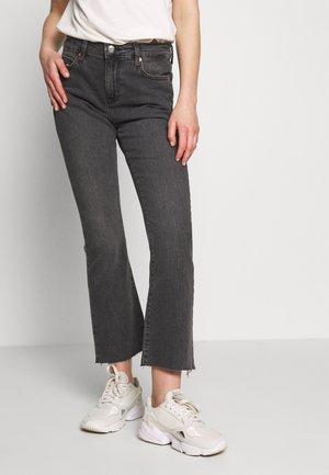KATIE CROP FLARE - Flared jeans - black denim