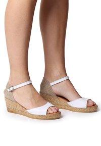 Toni Pons - LLIVIA-P - Platform heels - white - 0