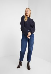 CLOSED - PEDAL PUSHER - Jeans Relaxed Fit - dark blue - 1
