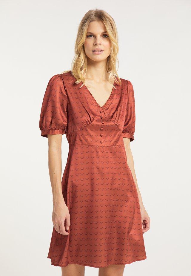 Korte jurk - dark rust