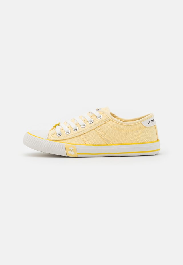 EASY - Sneakers laag - limonade