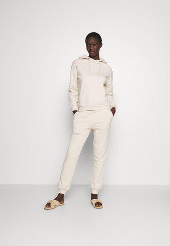 Hooded lounge set - Pyjama set - off white