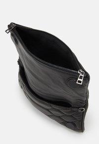 Zadig & Voltaire - ROCK - Across body bag - noir - 4