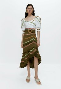Uterqüe - MIT BÄNDERN  - Wrap skirt - green - 1