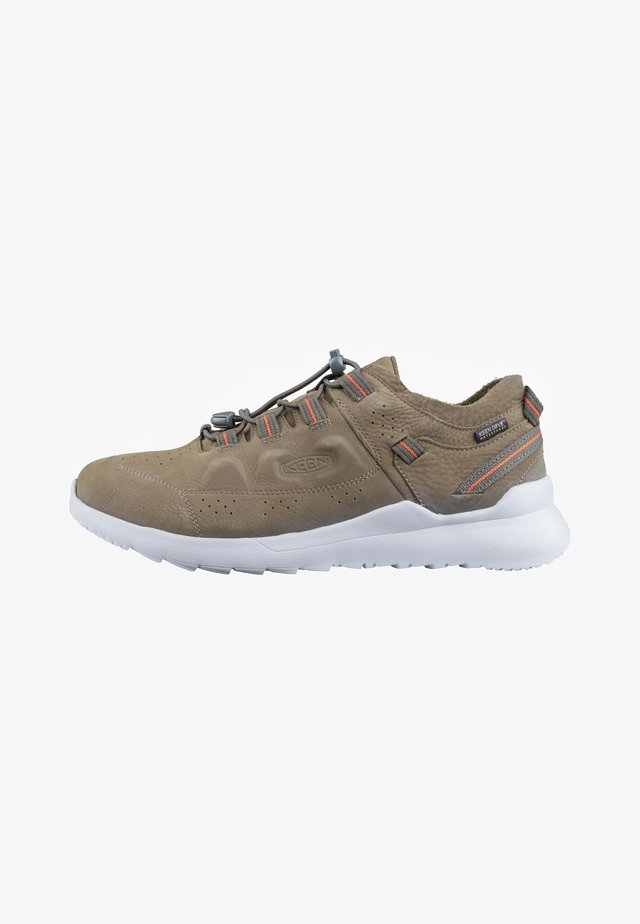 WALKING SHOES - Trainers - dark olive/silver birch