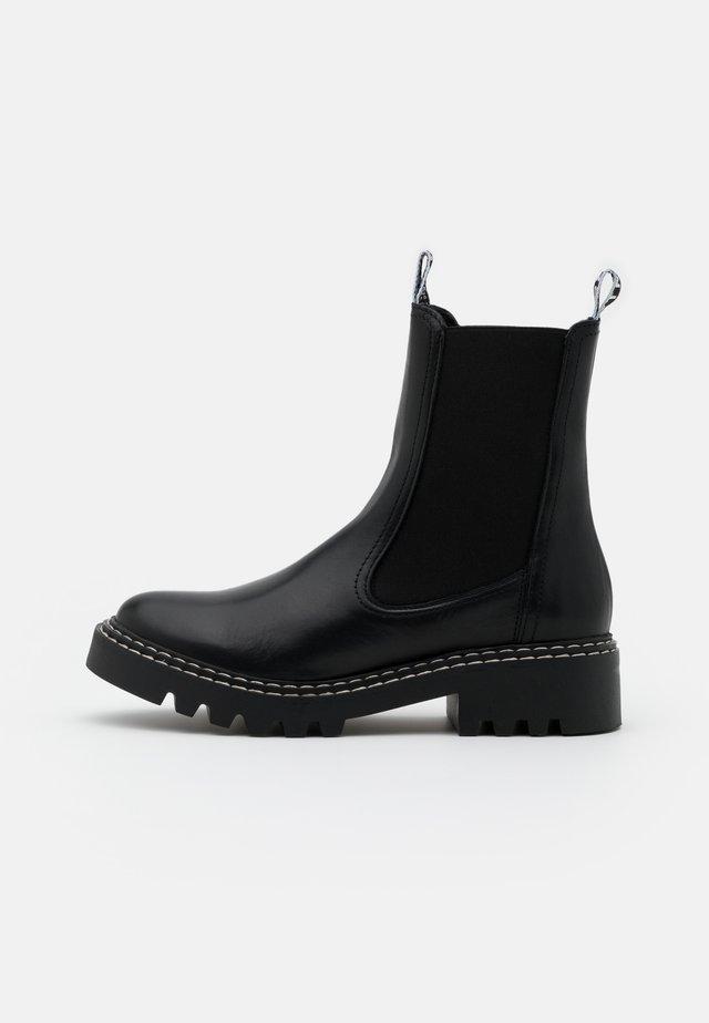 BOOTS  - Støvletter - black