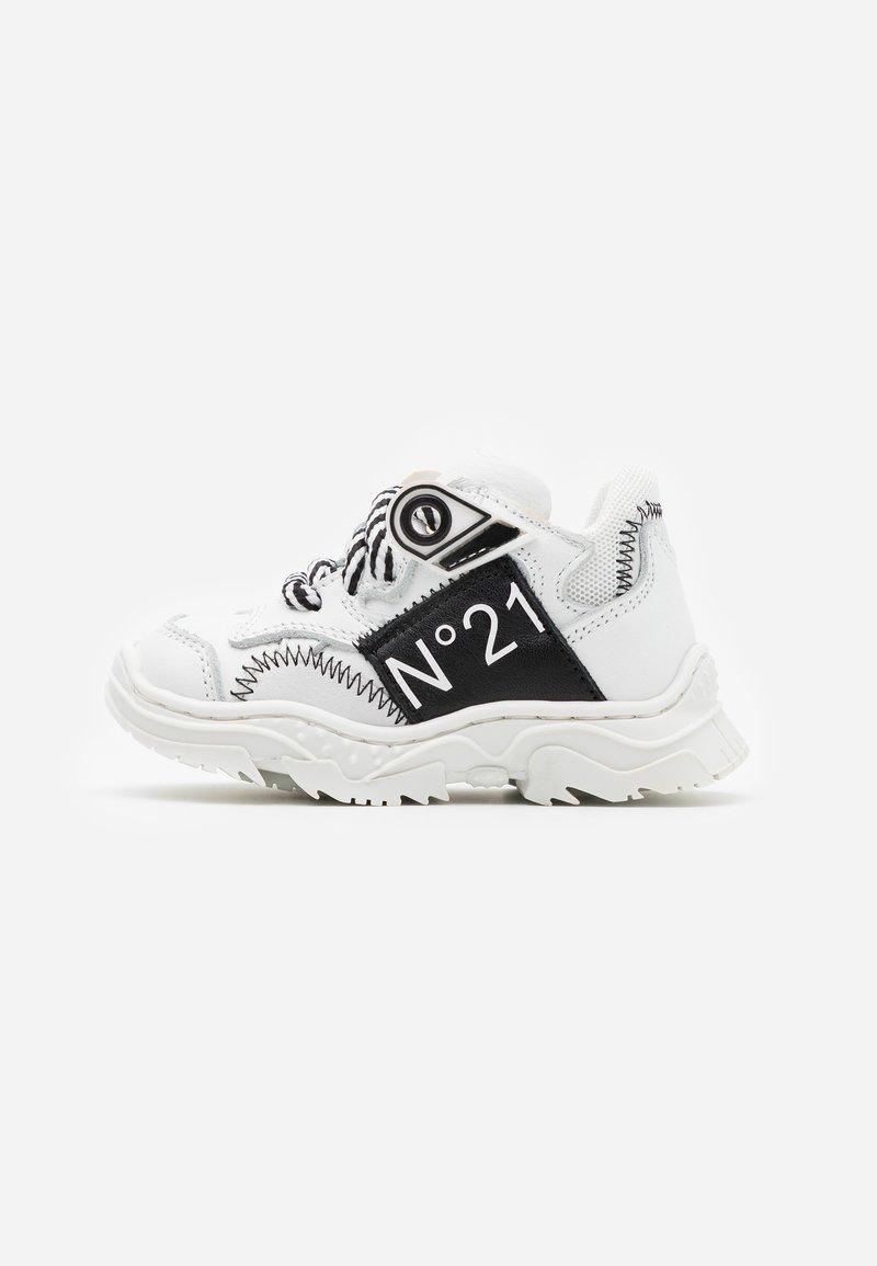 N°21 - Sneakers - white/black