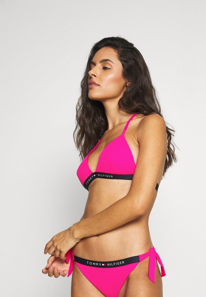 Tommy Hilfiger - CORE SOLID LOGO TRIANGLE FIXED - Bikini top - pink glo