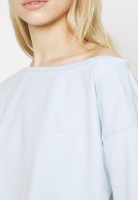 Missguided - OFF THE SHOULDER SET - Sweatshirt - baby blue - 5