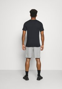 Nike Performance - DRY FIT - Short de sport - grey heather - 2