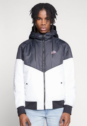 M NSW HE WR JKT HD REV INSLTD - Light jacket - black