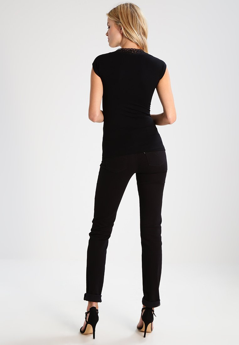 Women DTAG - Print T-shirt