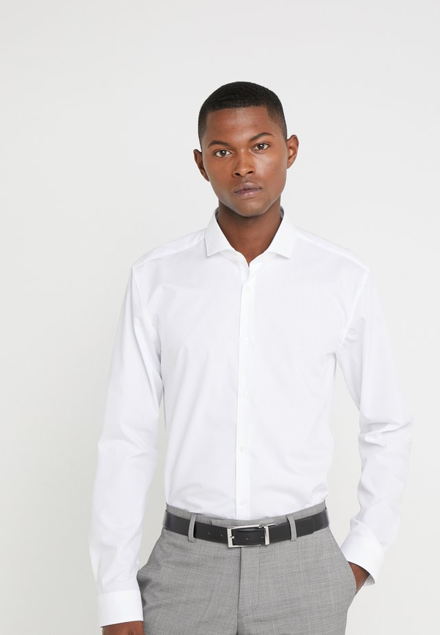 ERRIKO EXTRA SLIM FIT - Kostymskjorta - open white