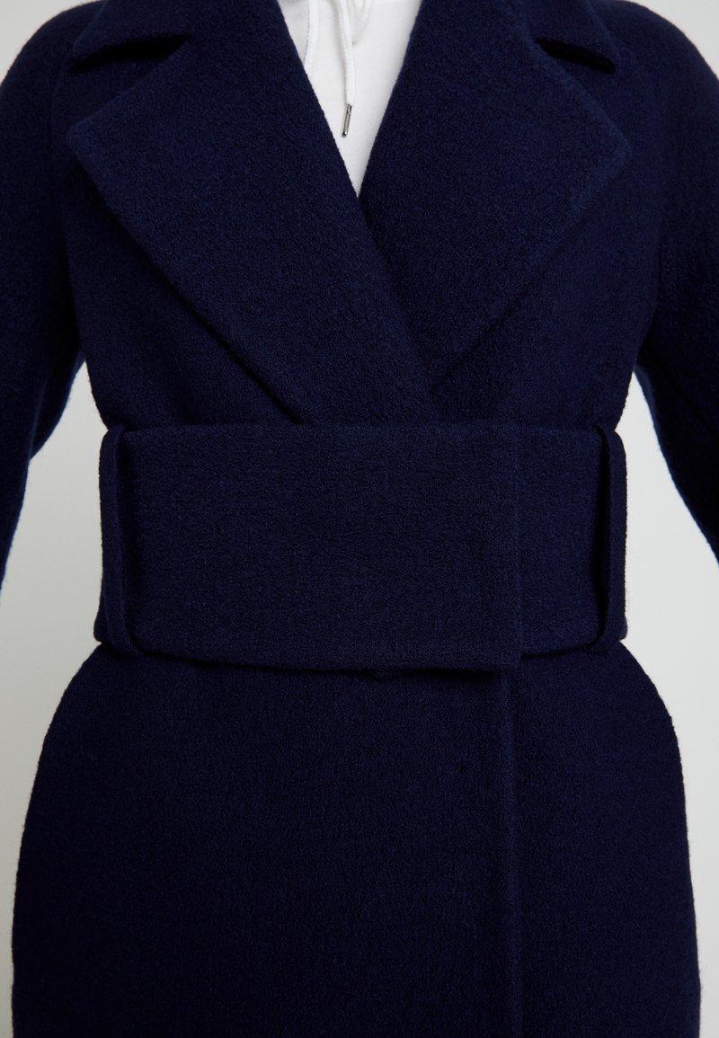 IVY & OAK BIG BELT COAT - Wollmantel/klassischer Mantel - winter true blue/dunkelblau qGpqKl