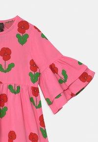 Mini Rodini - VIOLAS WOVEN FLARED SLEEVE  - Košilové šaty - pink - 2