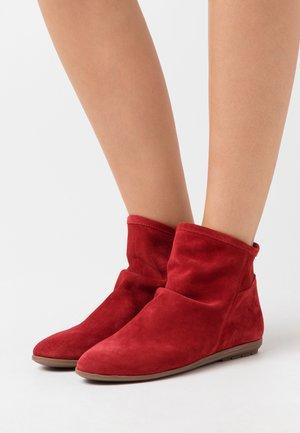 Kotníkové boty - rojo