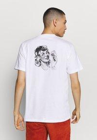 Carhartt WIP - ROMANCE  - Print T-shirt - white - 2