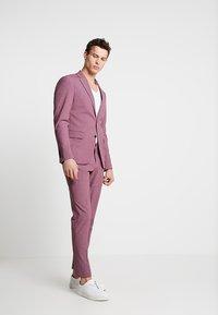 Lindbergh - PLAIN MENS SUIT - Kostuum - dusty pink melange - 1