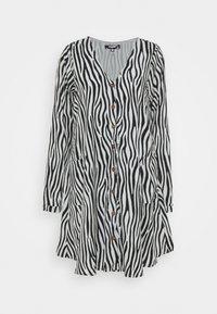 Missguided Tall - BUTTON THRU SMOCK DRESS ZEBRA - Day dress - black - 0