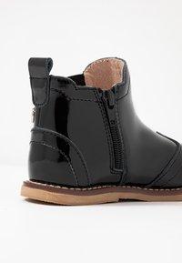 Walnut - BURROW - Classic ankle boots - black - 5