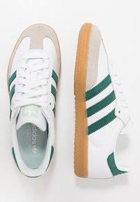adidas Originals - SAMBA FOOTBALL - Trainers - footwear white/collegiate green/vapour green - 1