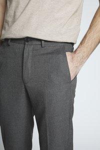 Isaac Dewhirst - FLANNEL PLAIN TROUSER - Pantaloni - grey - 3