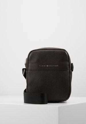 MODERN MINI REPORTER - Across body bag - brown