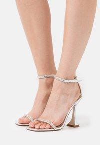 BEBO - ARTEE - Sandaler med høye hæler - silver - 0