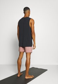 Nike Performance - DRY SHORT - Sports shorts - claystone red/heather/black - 2