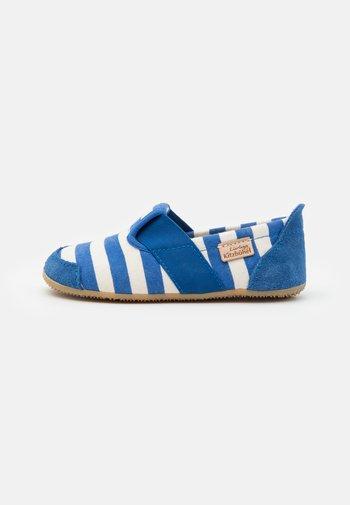 T-MODELL STREIFEN UNISEX - Slippers - victoria blue