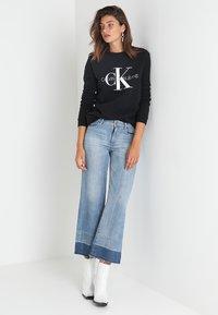 Calvin Klein Jeans - CORE MONOGRAM LOGO - Sweater - black - 1