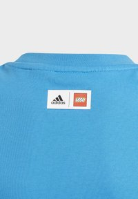 adidas Performance - LEGO 2 GRAPHIC - Print T-shirt - blue - 2