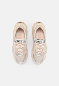 Diesel - S-HERBY LC - Trainers - silver - 4
