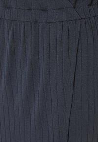 Moss Copenhagen - LYLA DRESS - Jerseykjoler - outer space - 5