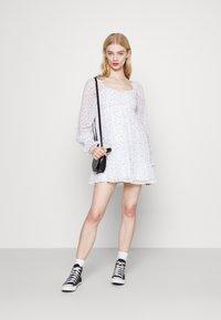 Hollister Co. - SHORT DRESS - Vestido informal - white - 1